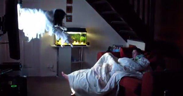 dọa ma người vợ đang ngủ
