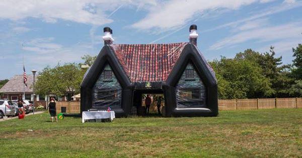 PaddyWagon Inflatable Pub